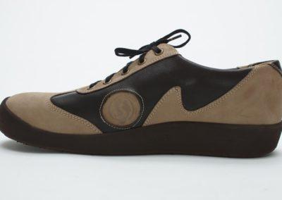 Sportlicher Sneaker in Nubuk und Glattleder