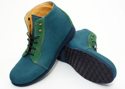 Schlichter knöchelhoher Schuh in feinem Nubuk-Leder