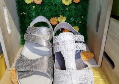 Frische Sandalen von Semler in Silber Optik