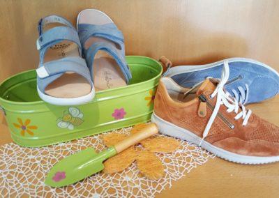 Starten Sie ins Frühjahr mit Schuhen und Sandalen von Hartjes und Finn Comfort!